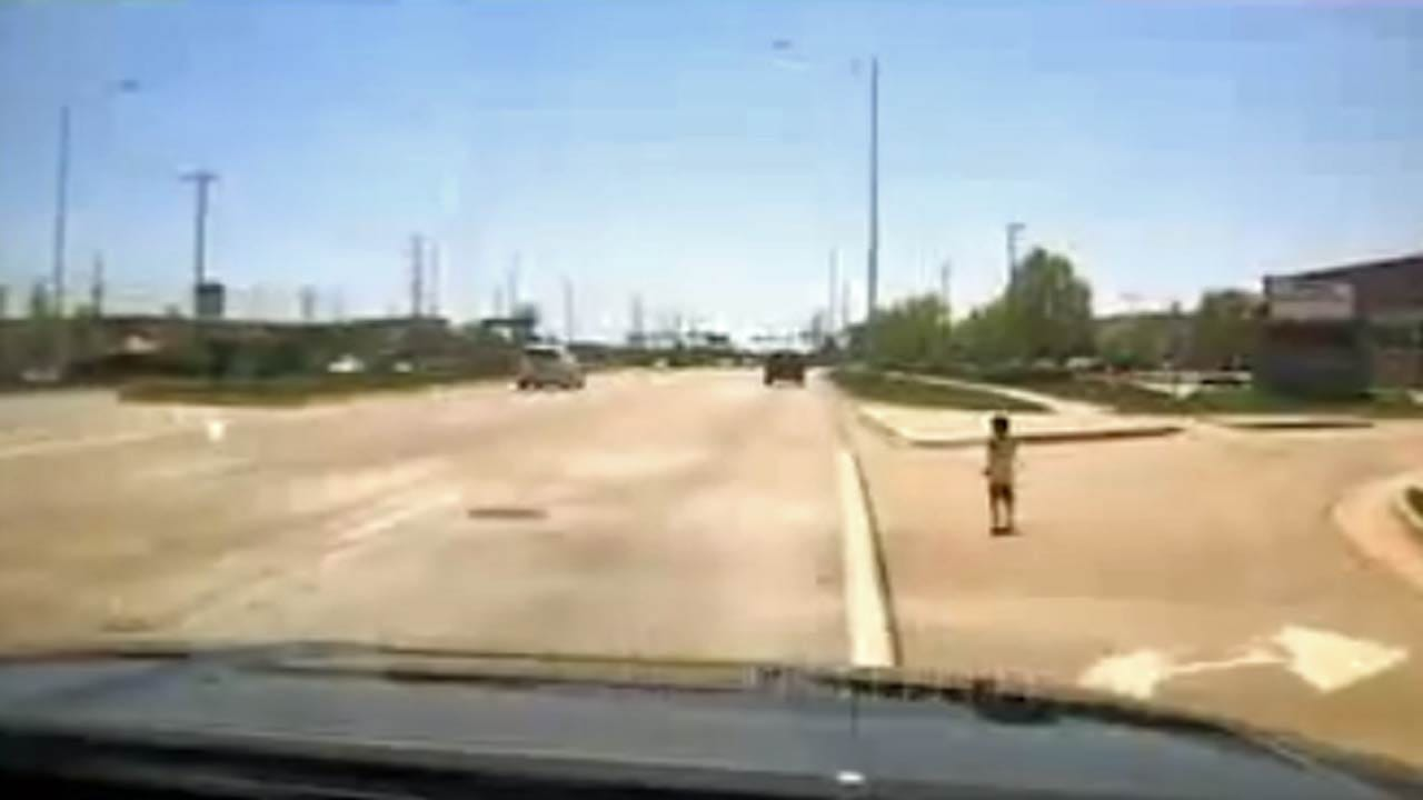 Police Officer Hailed For Saving Boy From Busy Illinois Roadway