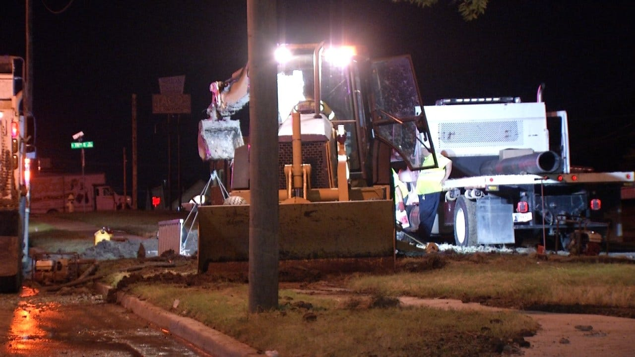 Repairs Continue On Tulsa Water Leak At Memorial And 21st Street