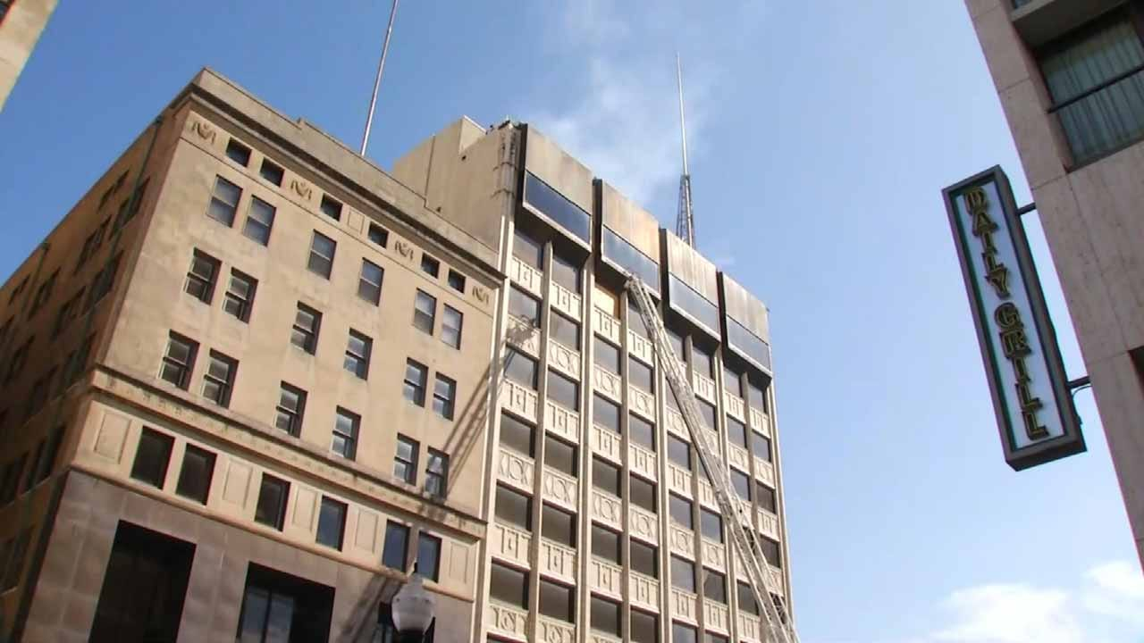 Firefighters Respond To Downtown Tulsa Building Fire