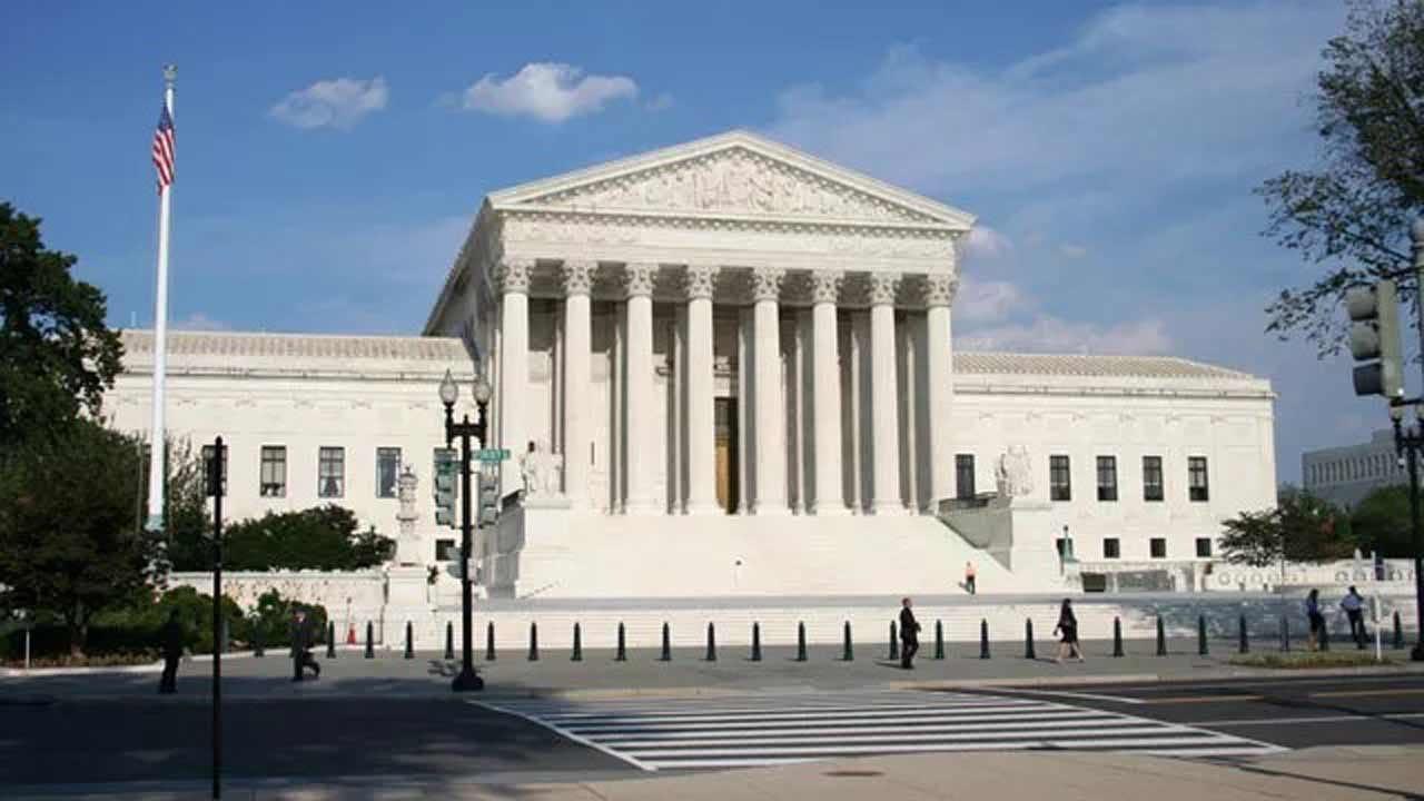 Supreme Court Strikes Down Public Sector Union Fees