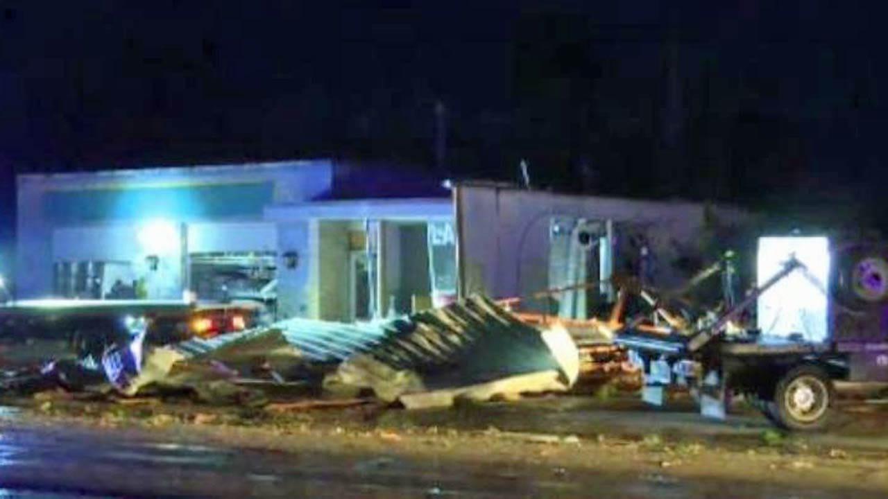 Tornado Damages Kansas Community East Of Wichita
