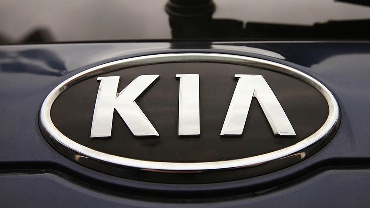 Kia Recalls Sedona Minivans For Sliding-Door Problem
