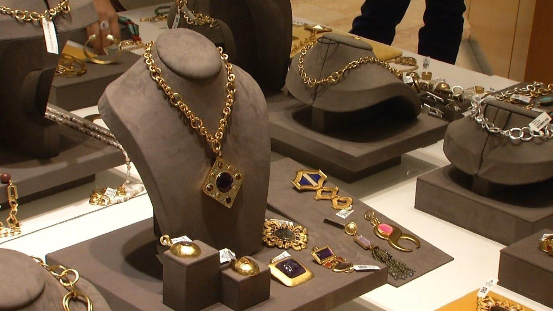 Jewelry Designer Hosts Fundraiser For Tulsa Non-Profit