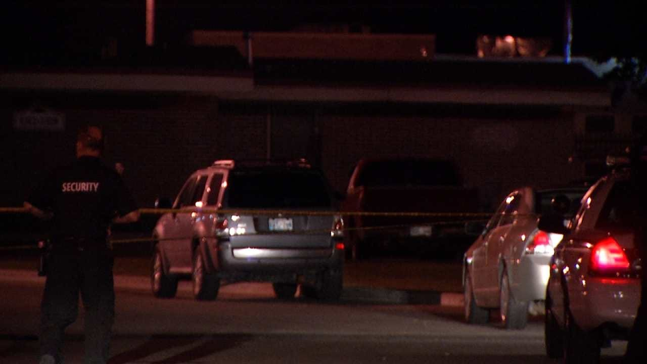 Police: Two Shot During Gun Battle At Tulsa Apartment Complex