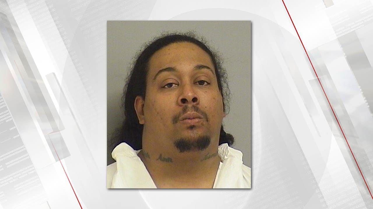 Tulsa Man Shoots Girlfriend, Claims She Committed Suicide, Police Say