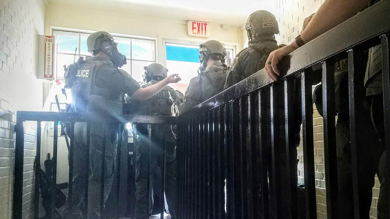 Police Release Behind-The-Scene Photos Of Tulsa Motel Standoff