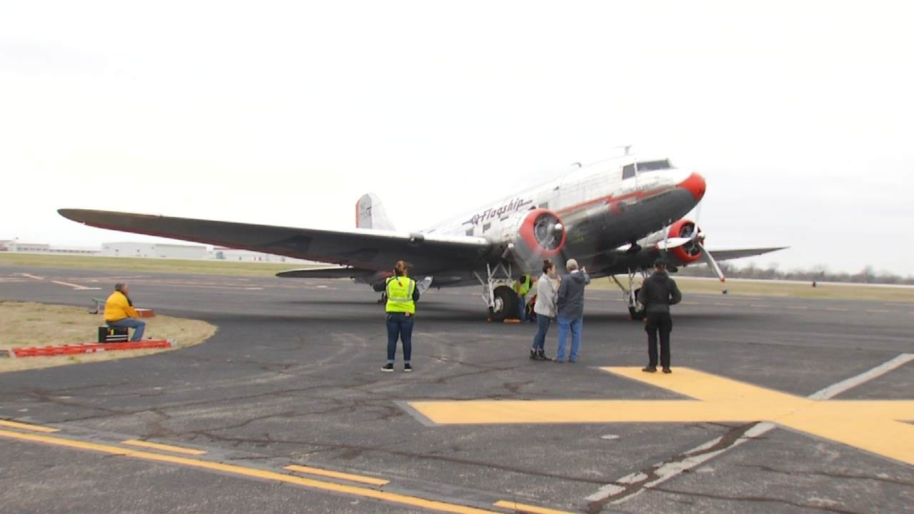 Historic Plane Makes Stop At Tulsa Air And Space Museum
