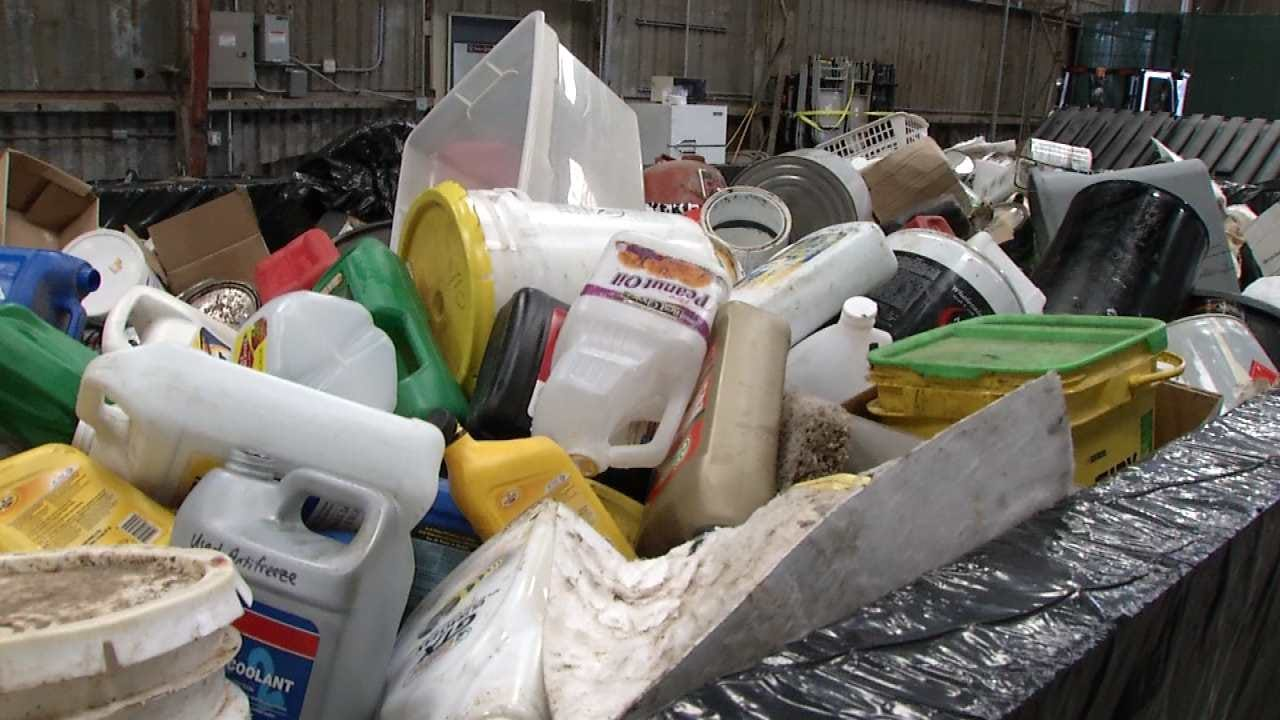 Hundreds Take Part In Tulsa Household Pollutant Collection Event