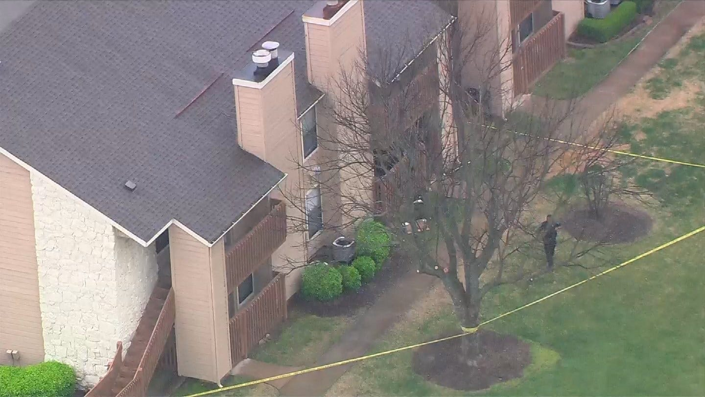 Man Shot By His Girlfriend's Sister After Kicking In Her Door, Police Say