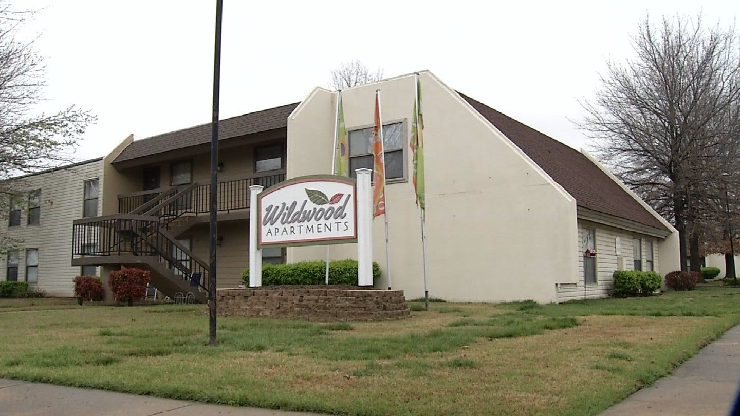 """Residents Of Flooding Owasso Apartments Say Landlord's Response Was """"Get Sandbags"""""""