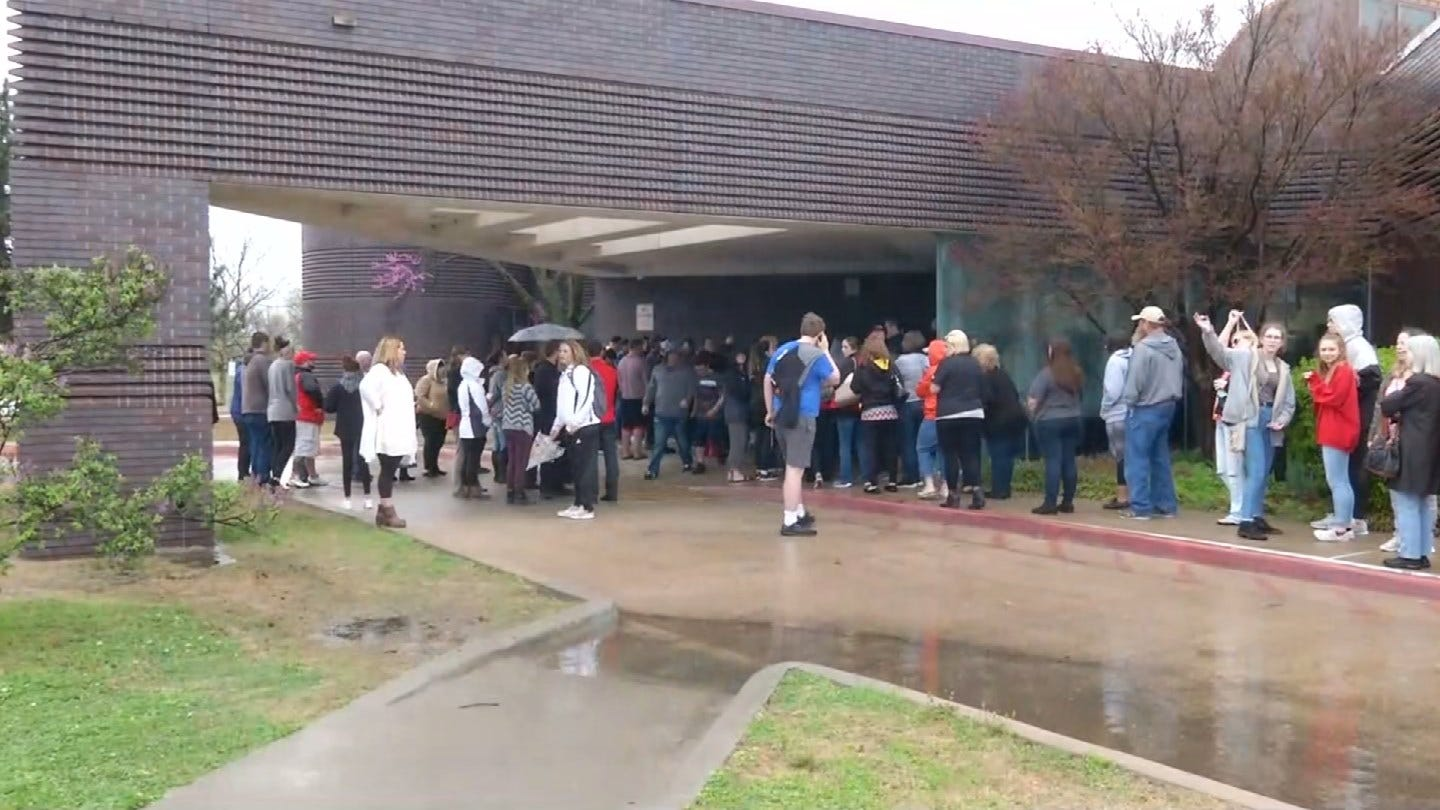 Students, Parents React To Bomb Threat At Claremore Schools