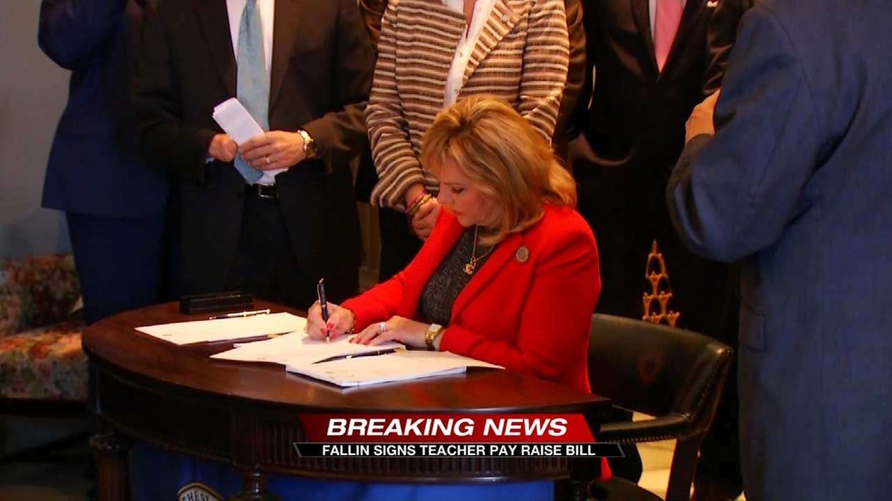 Governor Signs Bills Giving OK Teachers Raises, Increasing Education Funding