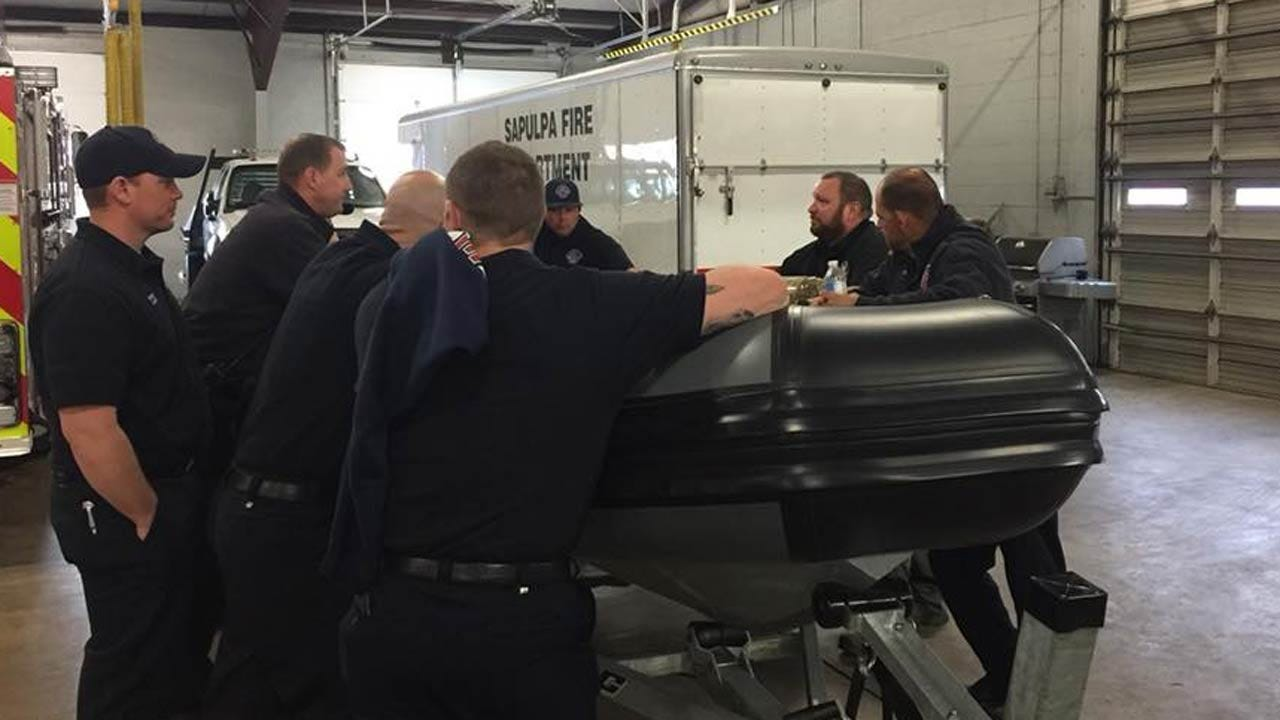 Sapulpa Fire Department Begins Training With New Rescue Boat