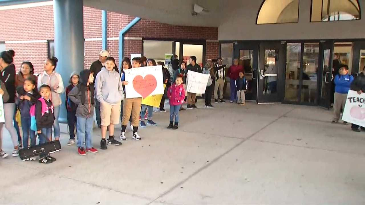 Students, Parents Offer Their Support To Tulsa Teachers