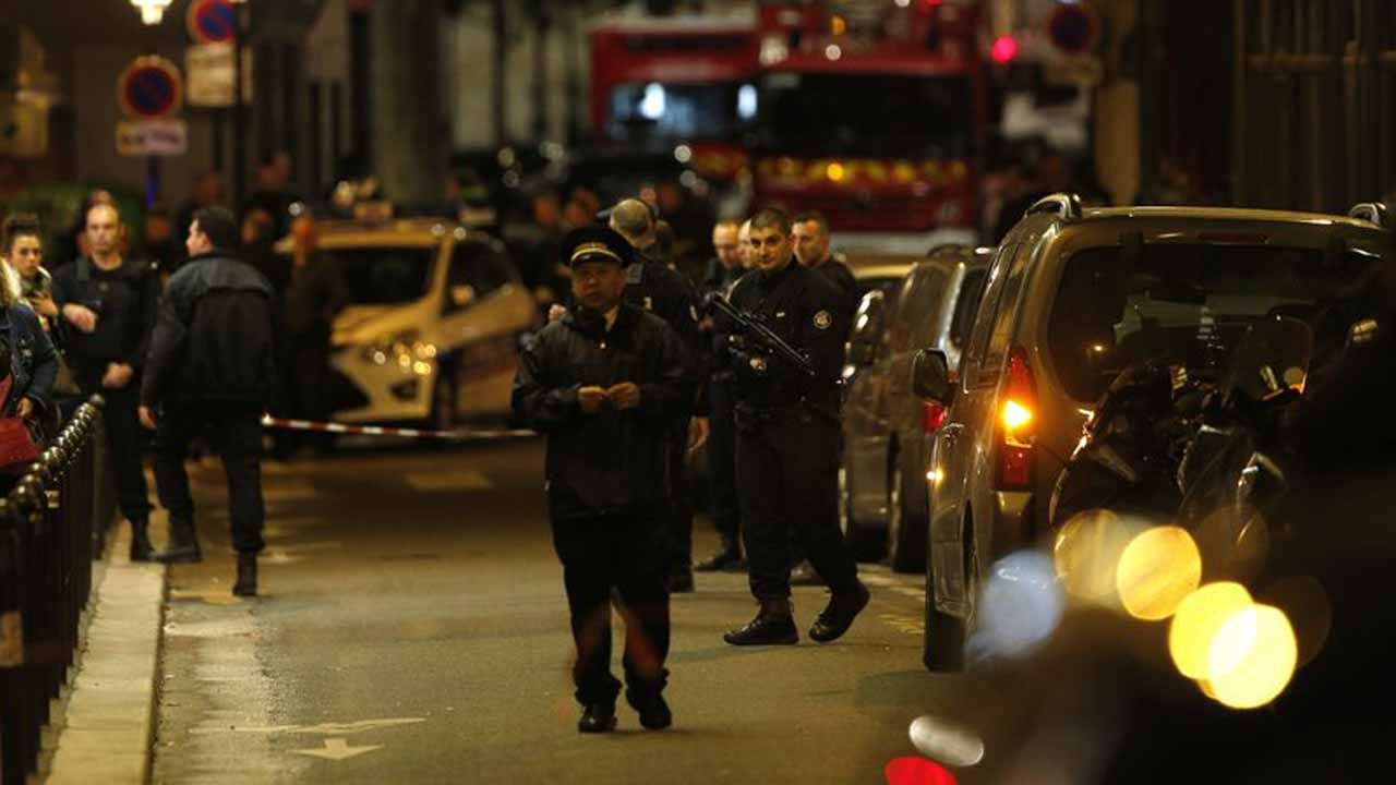Paris Stabbing Leaves 1 Dead, 4 Injured; Suspect Fatally Shot By Police