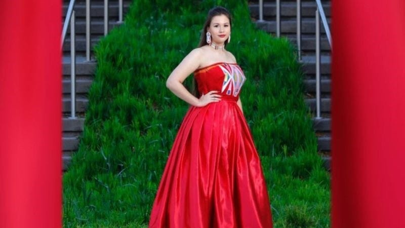 Oklahoma Teen Represents Native Heritage In Viral Prom Dress