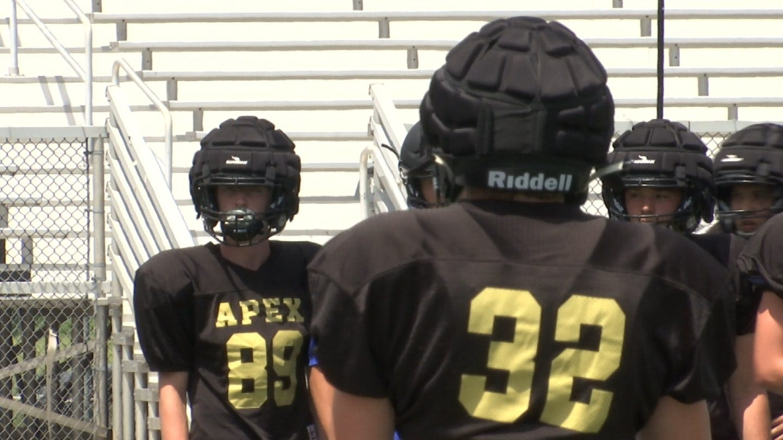Broken Arrow Football New Helmets To Reduce Head Injuries At Practice