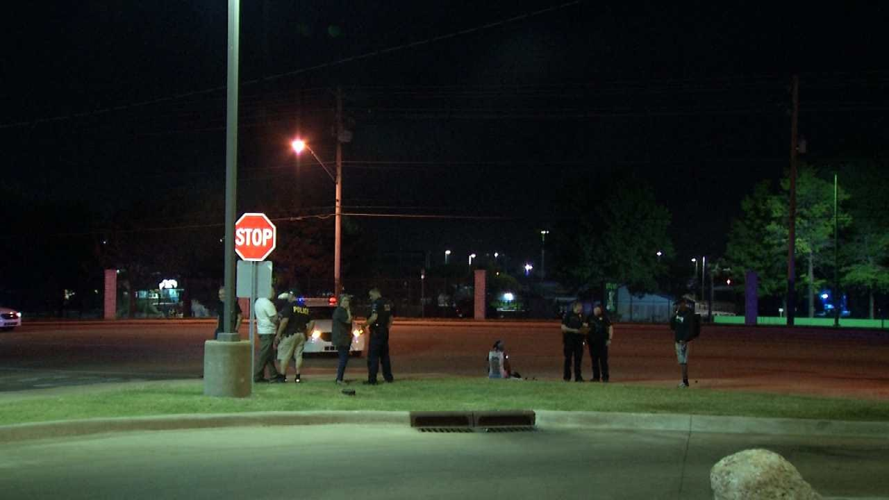 Police: Girl Struck, Injured Crossing Tulsa Street