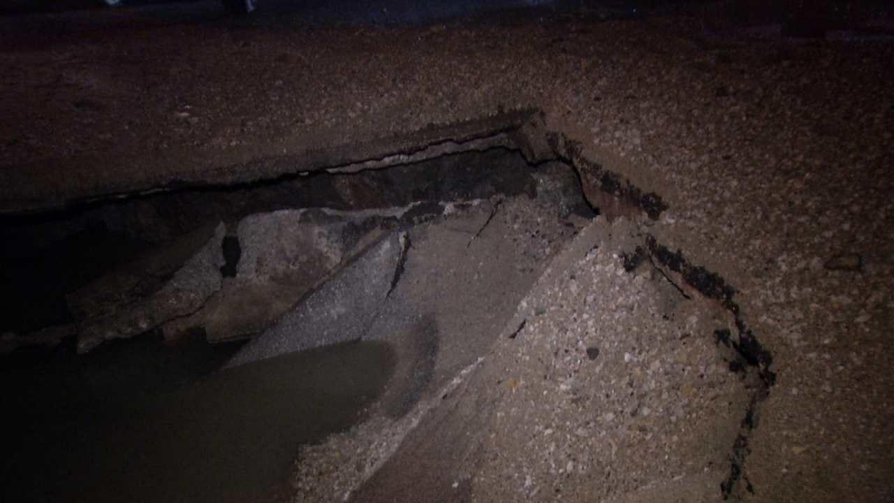 Tulsa Water Line Break Closes Pine Street