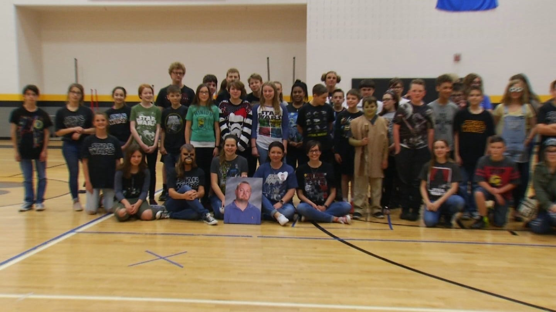 Broken Arrow Students Pay Tribute To Teacher Killed Last Year