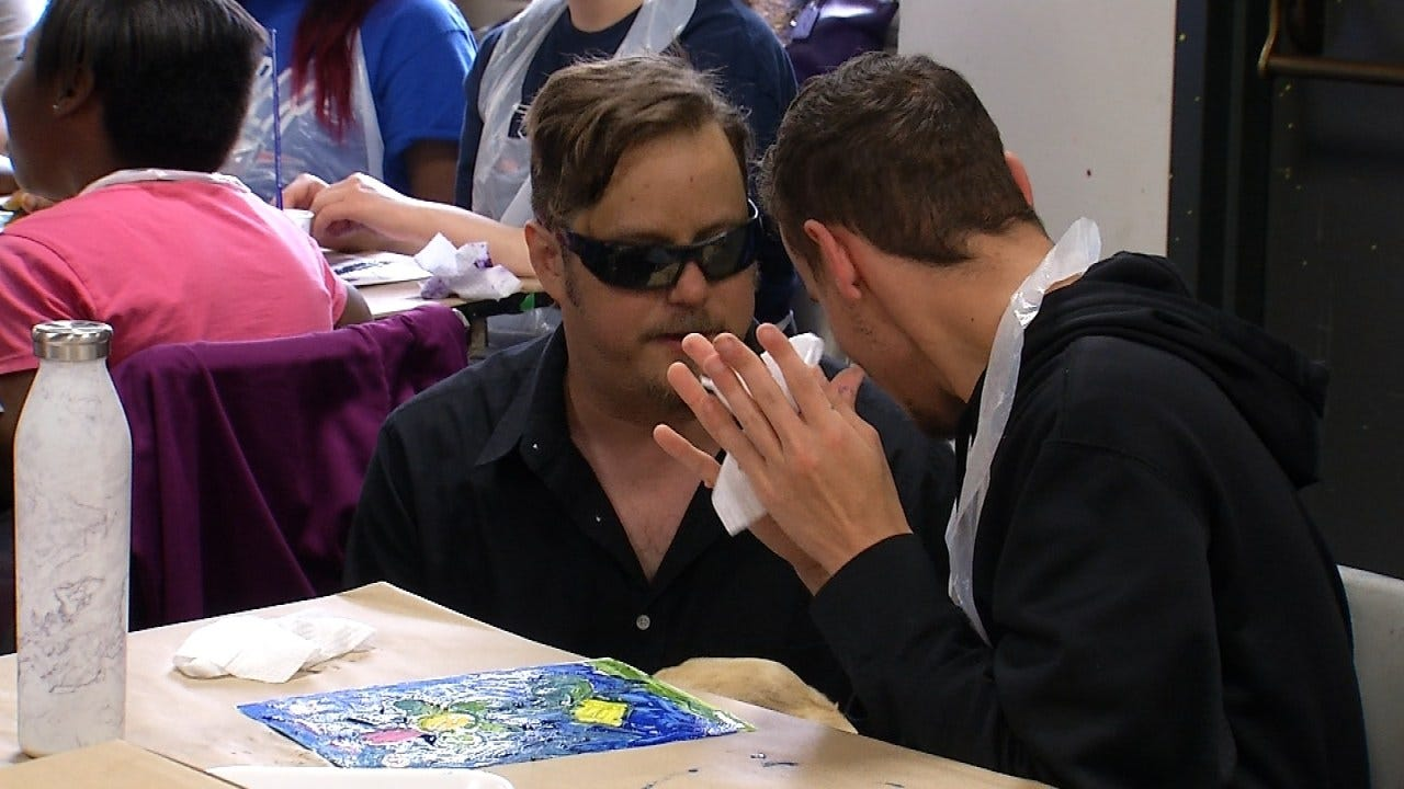 Visually Impaired Artist Teaches Oklahoma Students How To Paint