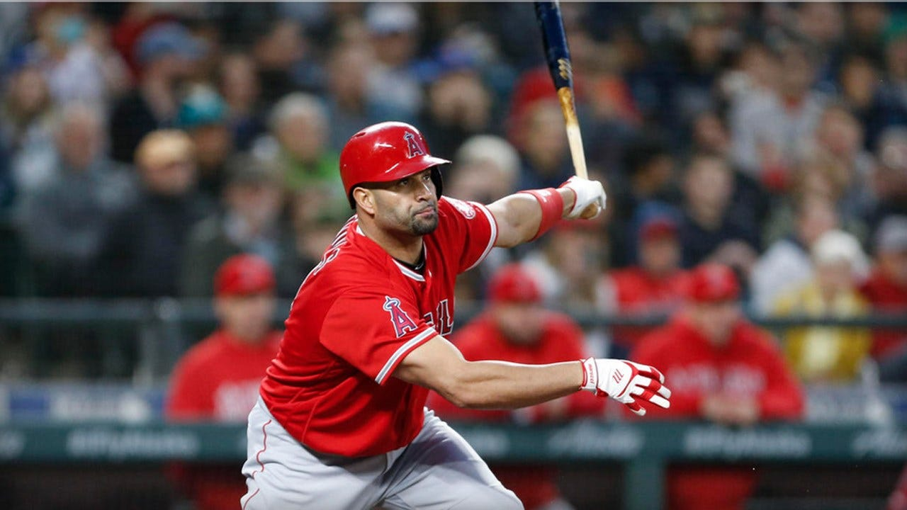 Albert Pujols Becomes 32nd Member Of 3,000-Hit Club With Hit Against Mariners