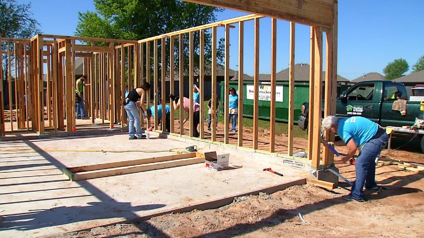 Oklahoma Women Join To Build With Habitat For Humanity