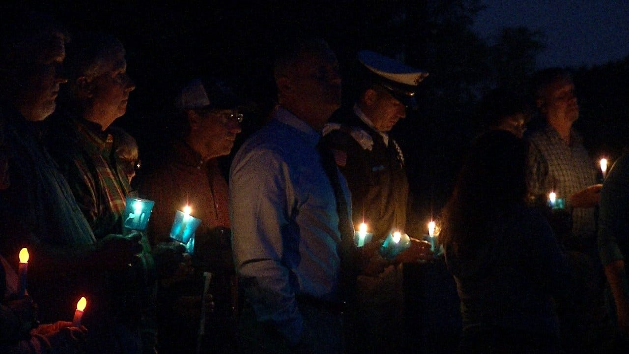 Tulsa Police Hold Candlelight Vigil To Remember Fallen Officers