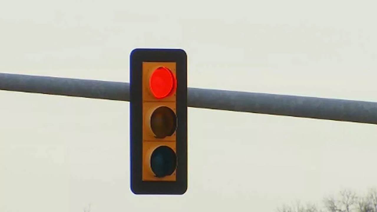 Tulsa Police Crack Down On Drivers Running Red Lights