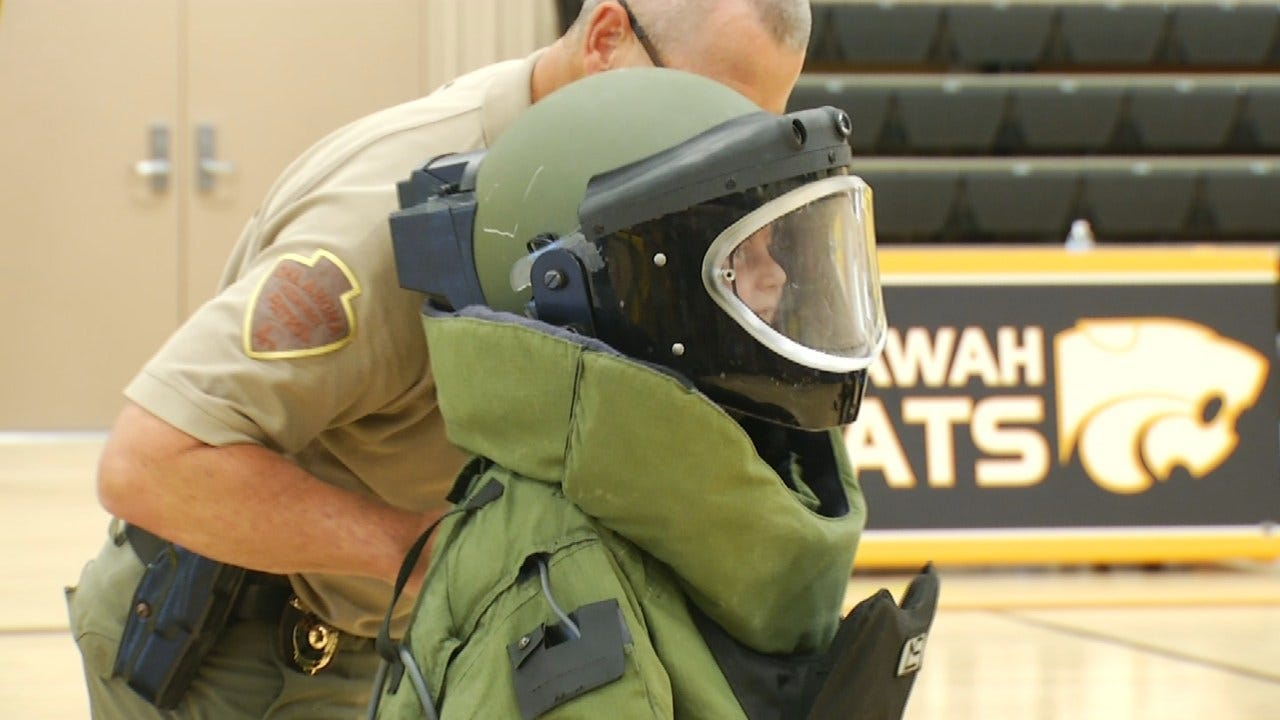 Justus-Tiawah Schools Host 'Law Enforcement Day'