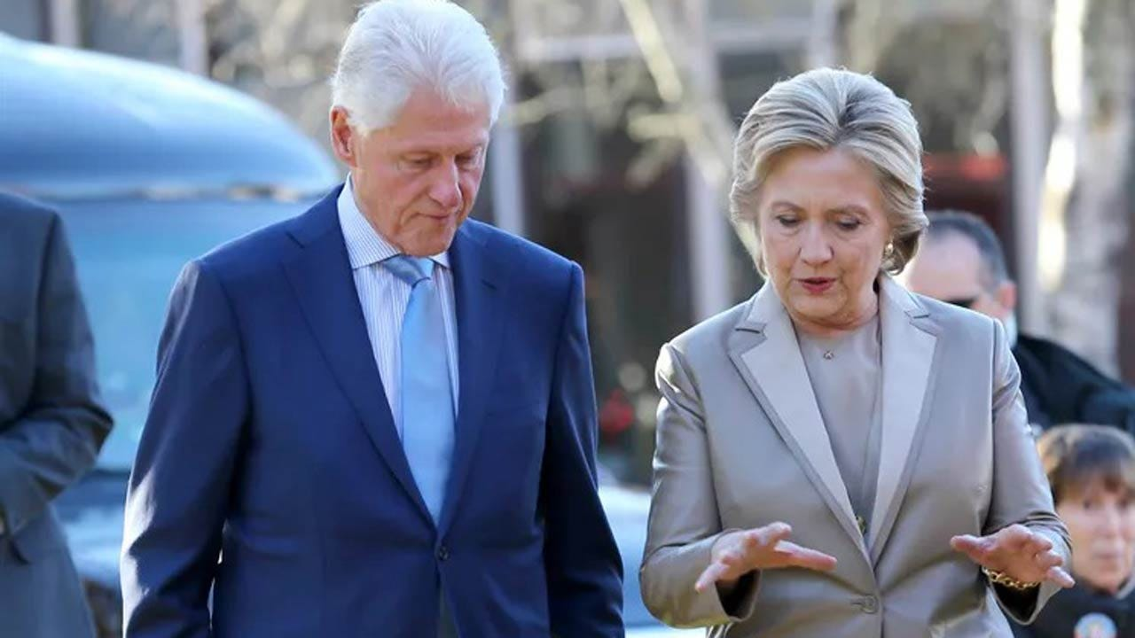 Secret Service Intercepts Possible Explosive Devices Sent To Clintons, Obama
