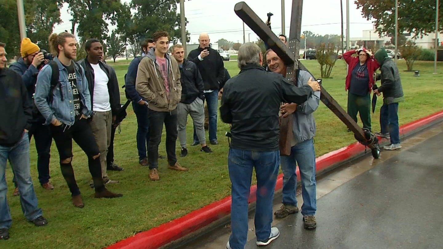 Broken Arrow Man Completes Nearly 25,000 Mile Journey With Cross