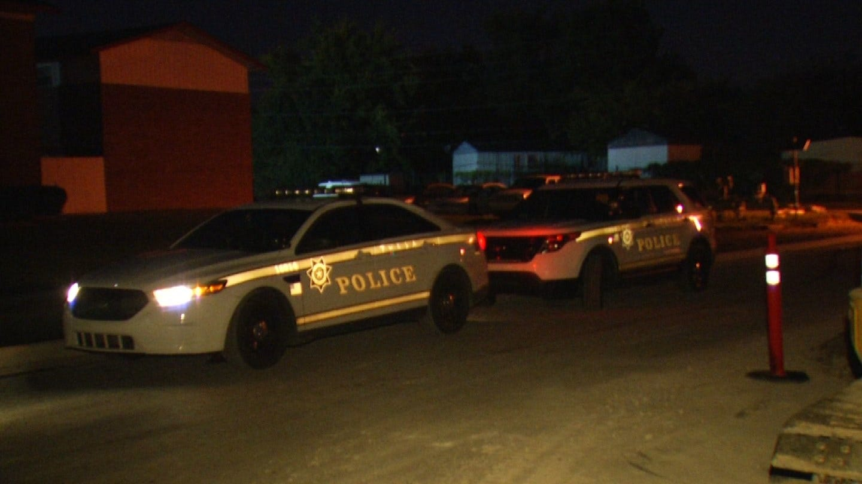 Police Investigate Early Morning Stabbing At Tulsa Apartment