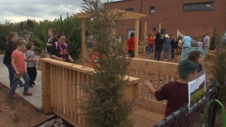 Tulsa Elementary School Opens Outdoor Classroom