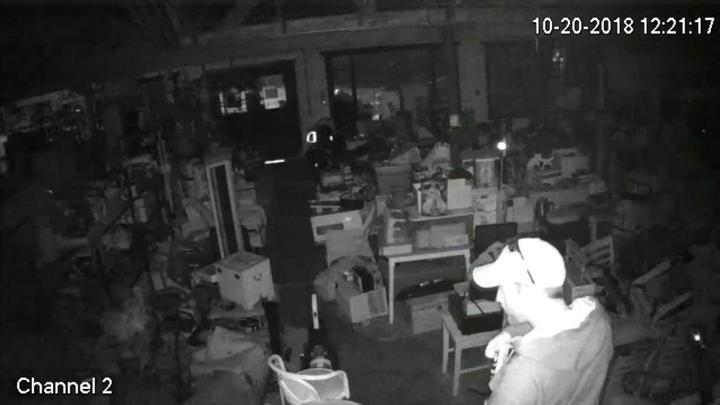 Burglar Caught On Camera Stealing From Sperry Auction House