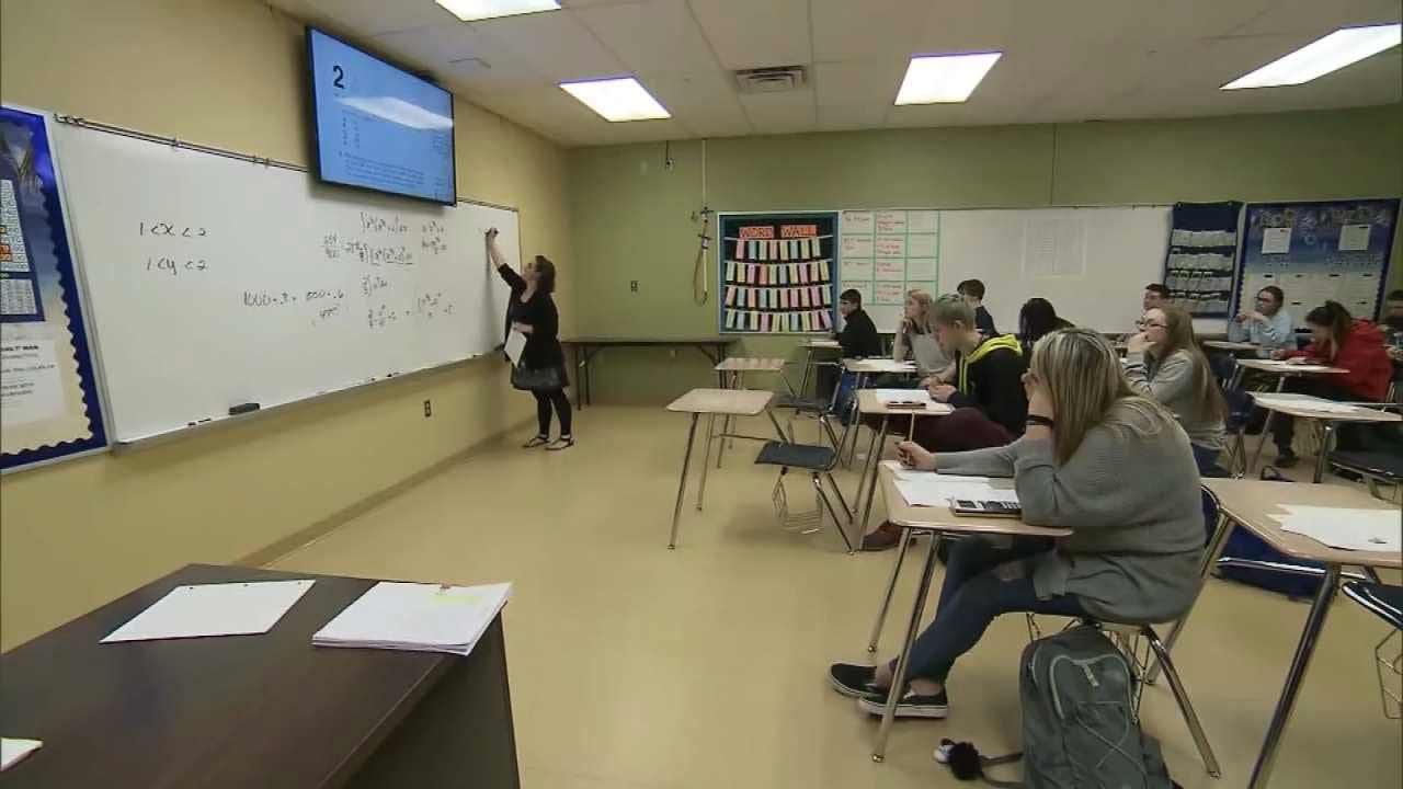 Oklahoma Lawmakers Debating 5-Day School Week Bill