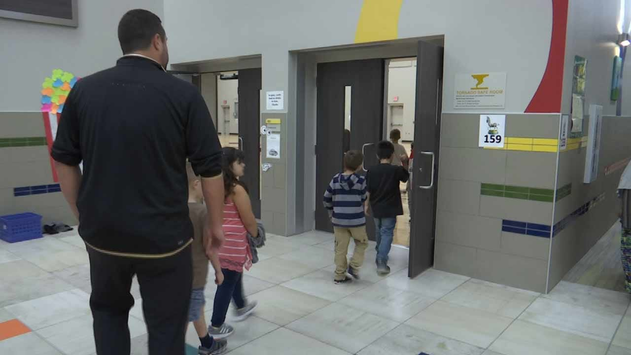 Broken Arrow Students Ride Out Storm In Safe Room