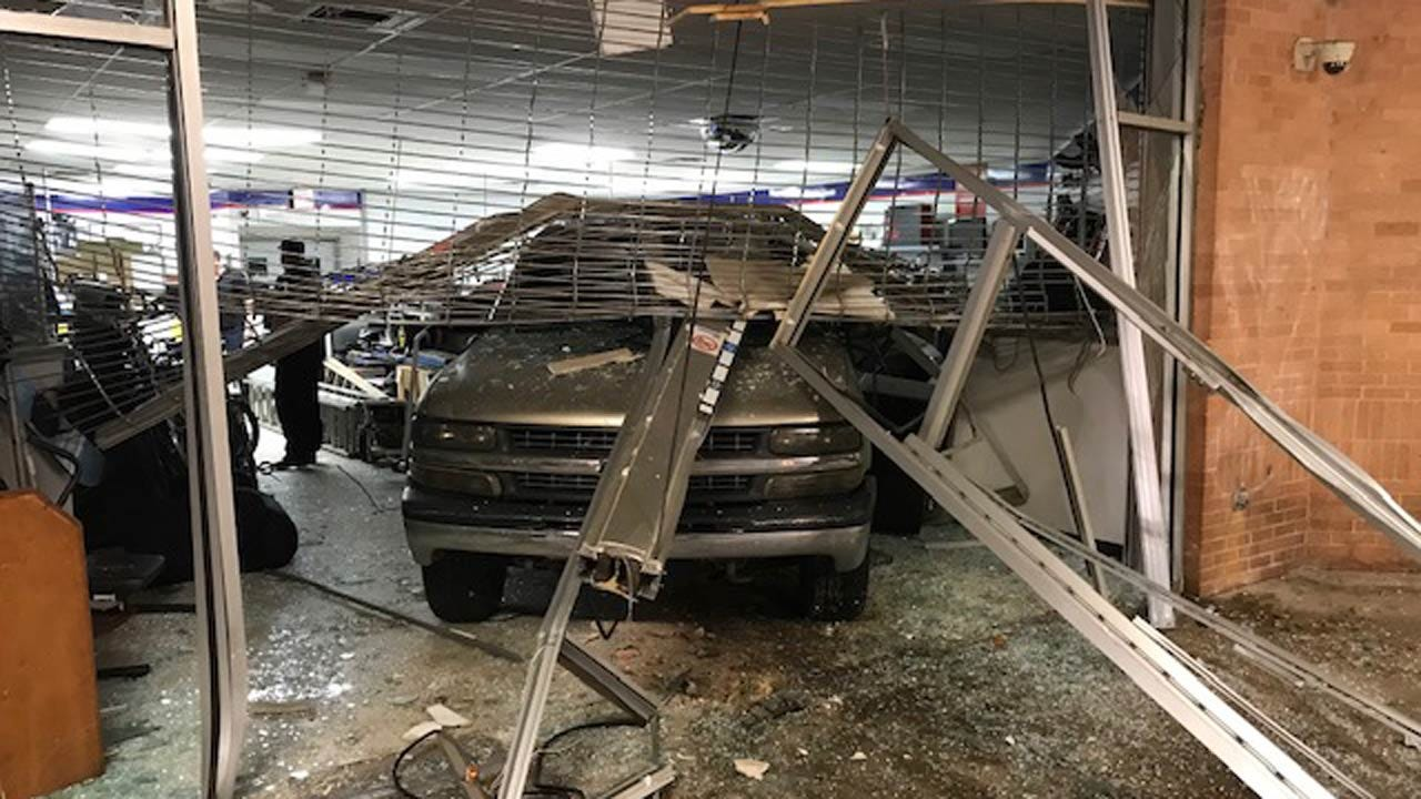 Stolen SUV Intentionally Backed Into Tulsa Pawn Shop, Police Say