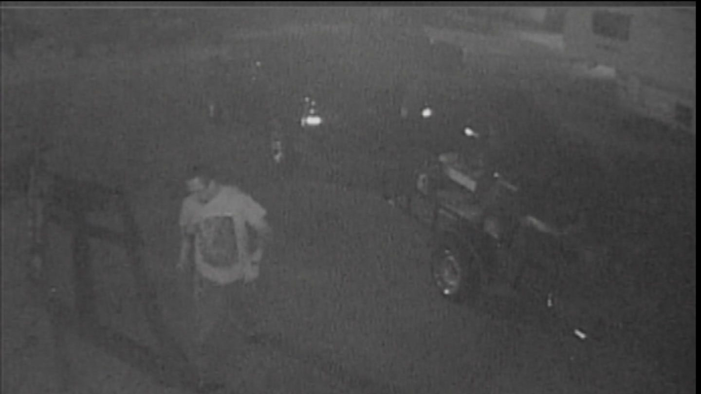 Thief Caught On Camera Stealing Lawn Equipment From Ochelata Man
