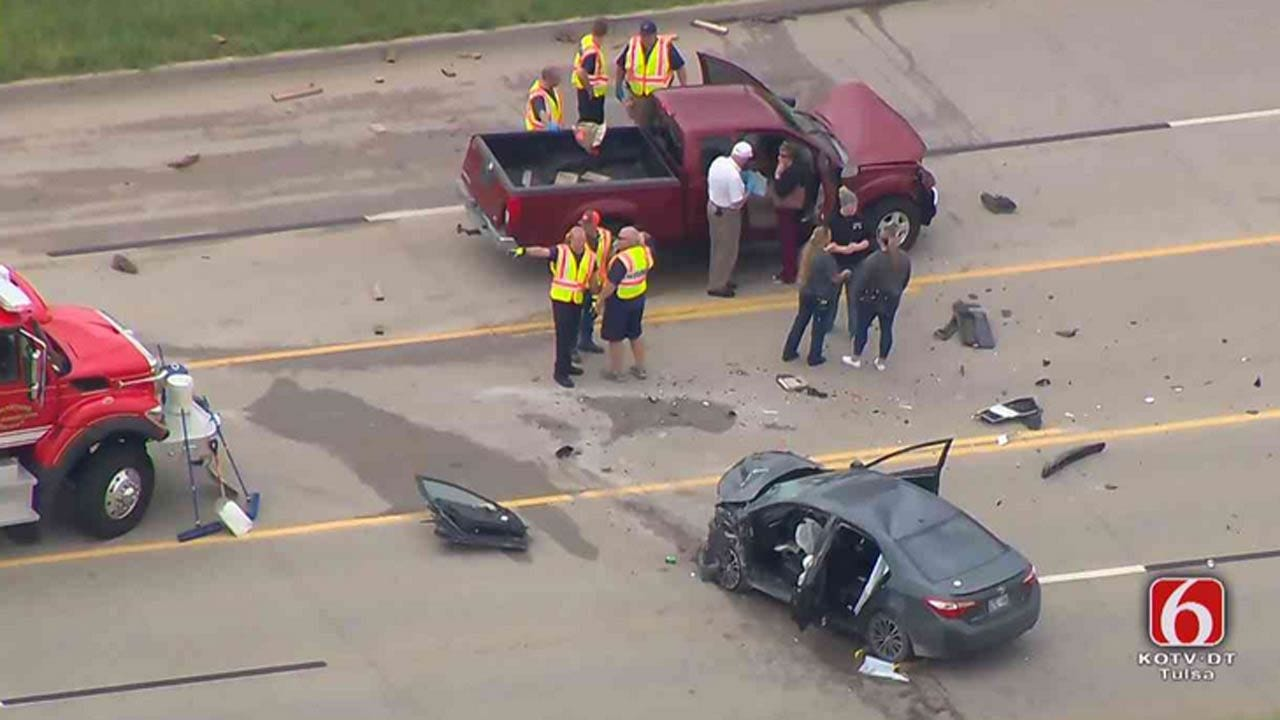 Wreck Shuts Down Highway 20 In Rogers County