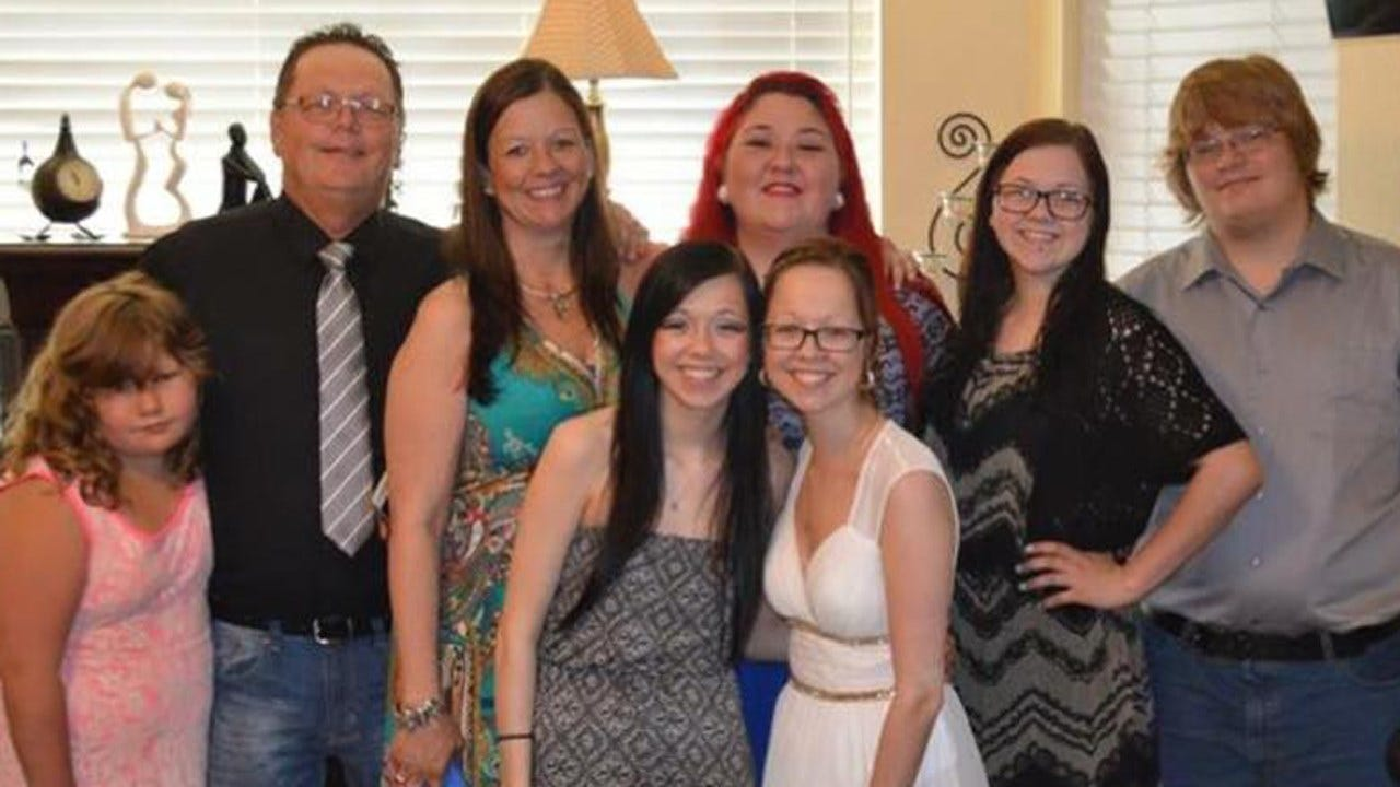 Green Country Family Mourning Loss Of Parents Killed In Crash