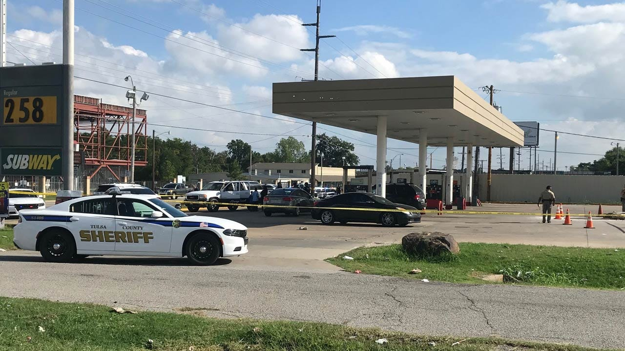 3 People Stabbed At Tulsa Gas Station