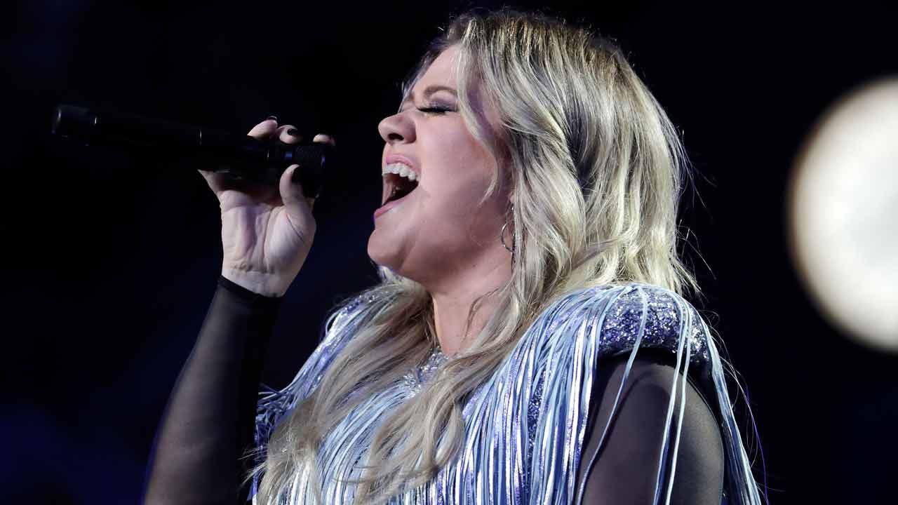 Kelly Clarkson Coming To BOK Center