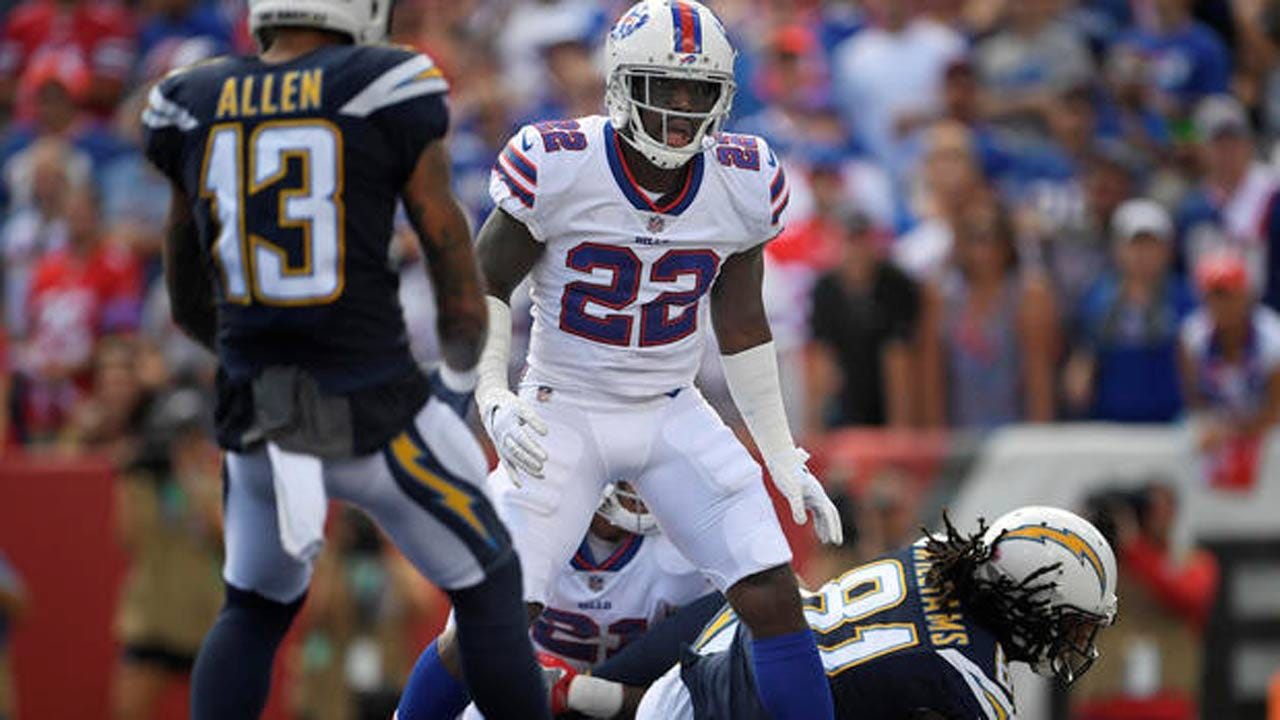 Buffalo Bills Player Vontae Davis Abruptly Retires At Halftime Of LA Chargers Game