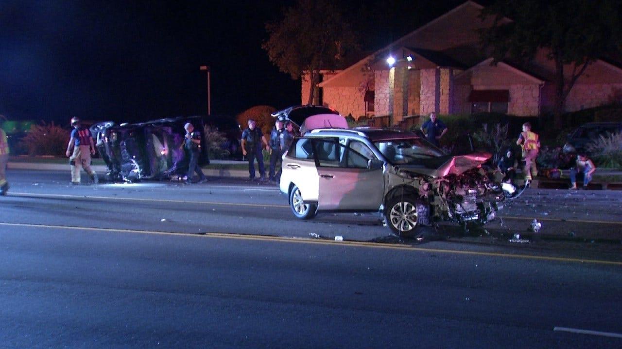Head-On Crash Sends One To Tulsa Hospital