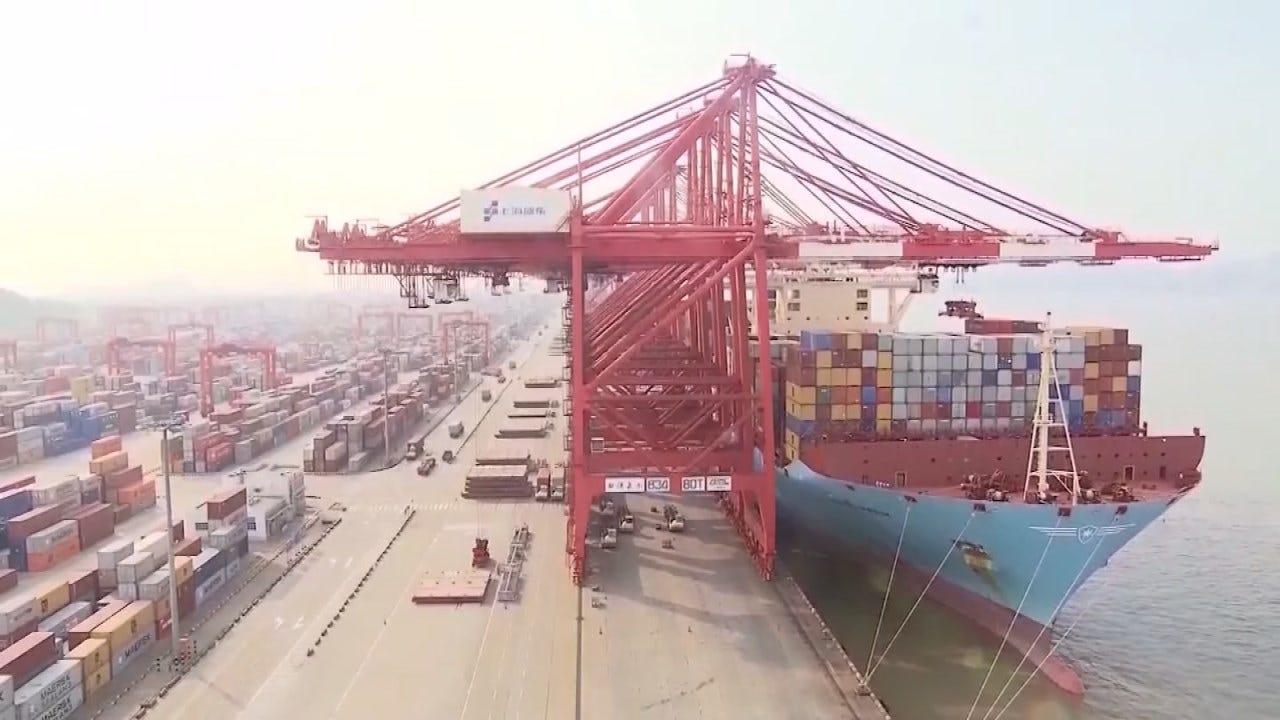 Trump Trade War With China Costs 300,000 U.S. Jobs, Moody's Estimates