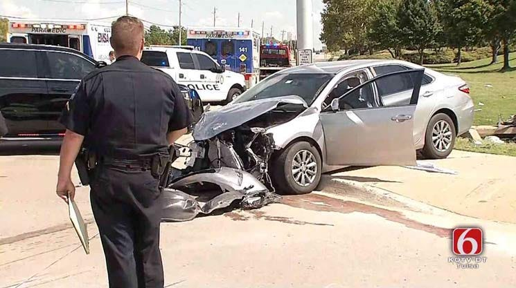Police Pursuit Ends In Tulsa Injury Crash