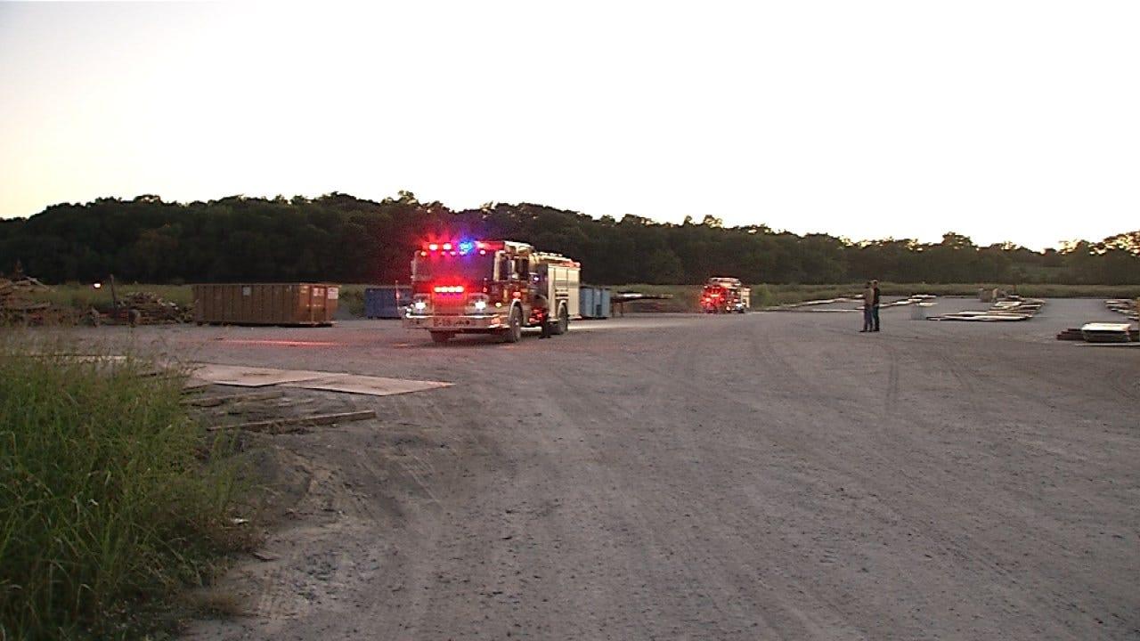 Tulsa Firefighters Put Out Grass Fire