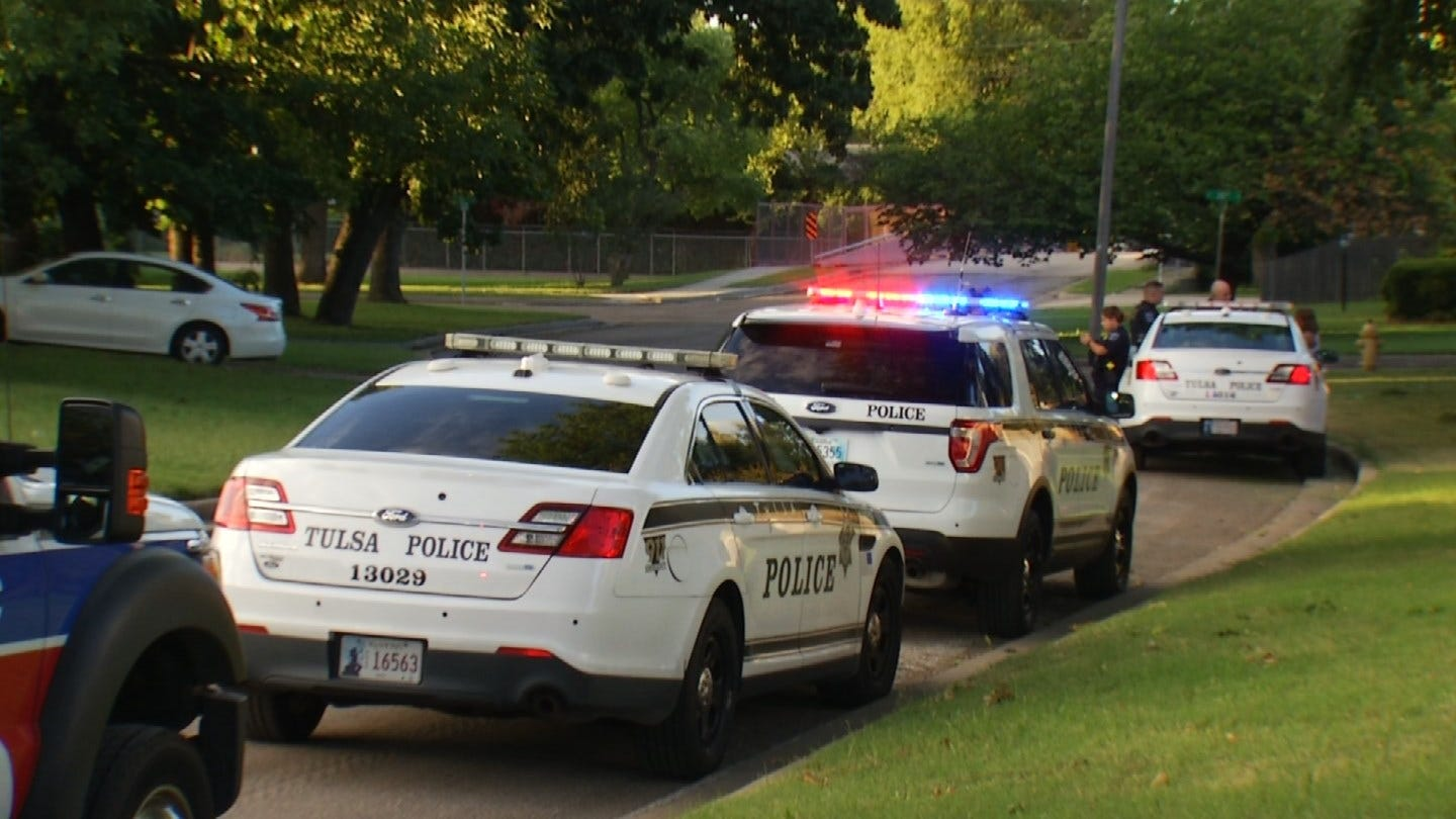 Tulsa Police Detain Woman After She Reportedly Attacks Father With Butcher Knife
