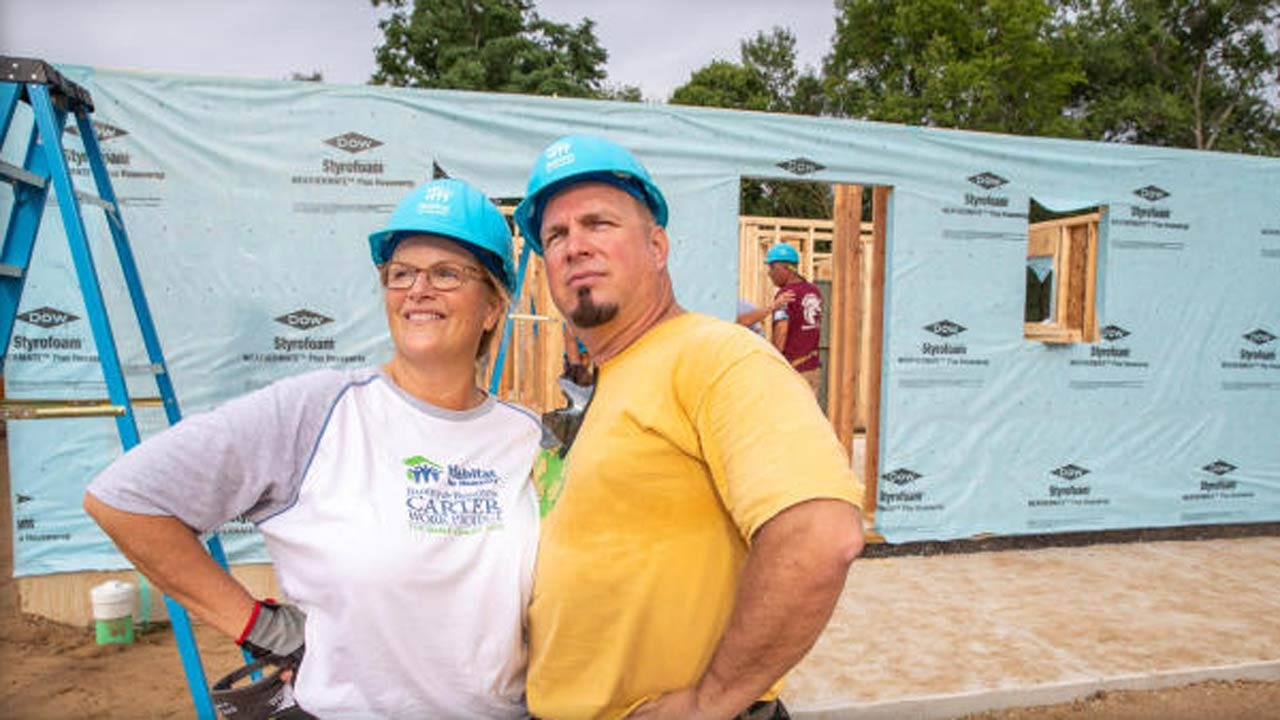 Garth Brooks & Trisha Yearwood: Habitat For Humanity Strengthens Their Marriage